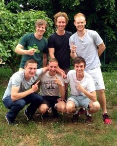 hintere von links: Jörn Schramek, Chris Burns, Marcel Ripple vordere Reihe von links: Hannes Bothmer, Jannik Hildebrandt, Miguel Klages