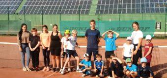 Goldener Oktober sorgt für Tennis unter freiem Himmel beim Ballplanet Herbstcamp auf unserer Anlage